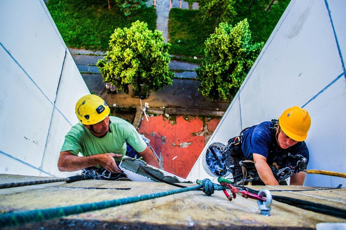 demit fasada alpinistickim pristupom, radovi na visini, visinski radovi beograd,